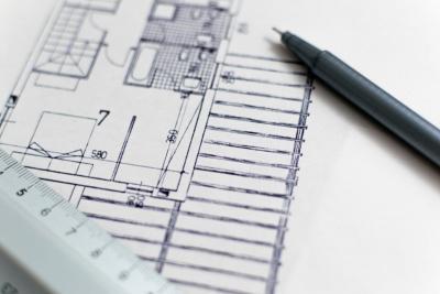 RESPONSABILITE DE L'ARCHITECTE : délai excessif pour réaliser un chantier d'adaptation PMR